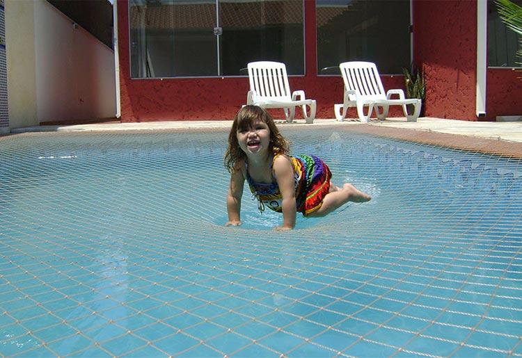 rede-de-protecao-uv-piscinas-praia-da-costa-vitoria-05